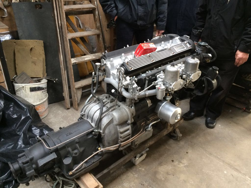 XJ6 engine and gearbox